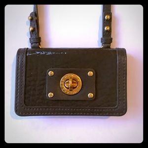 Marc Jacobs crossbody wallet. NWOT. Gray patent.